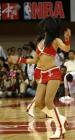 图文:NBA中国赛火箭美女热力四射 忘我跳跳跳