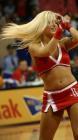图文:NBA中国赛火箭美女热力四射 头发甩起来
