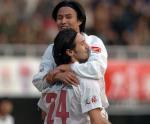 图文:辽宁3-0重庆 阿比奇庆祝入球