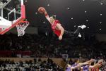 图文:NBA中国赛国王胜火箭 飞人横空出世