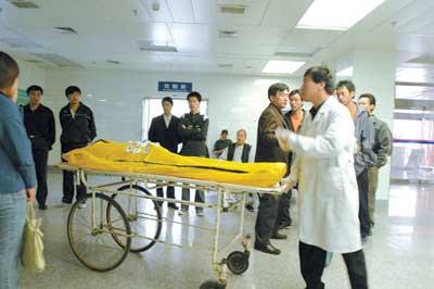 交大男生猝死马拉松赛场 两名清华学生虚脱病倒