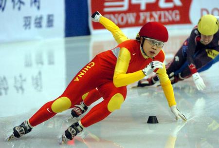 [体育](3)速度滑冰�D�D短道速滑世界杯哈尔滨站赛况