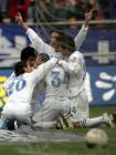 图文:天津3-0北京 康师傅队队员相拥庆祝