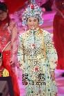 亚姐选举-传统服饰06