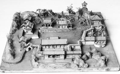 北方网消息:建筑是流动的艺术,我国古代特别是清代留下的雄伟壮观的建筑不仅给我们带来视觉冲击,我们甚至能听到那些华夏巨匠的传世绝响。由中国国家图书馆、故宫博物院、中国第一历史档案馆、中国文物研究所、清华大学、天津大学联合主办,日本东京大学和美国康奈尔大学协办的清代样式雷建筑图档展目前正在天津大学建筑馆展厅展出。展览图档首次来津   样式雷是清代200多年间主持皇家建筑设计雷姓世家的誉称,是我国古代科技史上成就卓著的杰出代表。其建筑涵盖了都城、坛庙、园林、陵墓、府邸、宫殿、学堂、工厂等皇家建筑。万