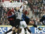 图文:AC米兰0-0国米 门前混战