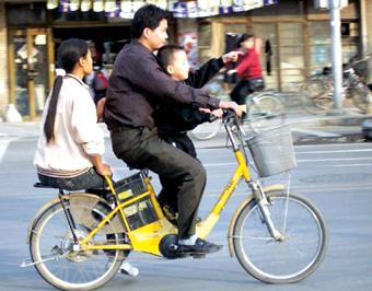骑自行车的人ps素材
