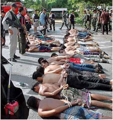 上千人被捕组图