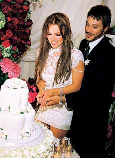 图文:布兰妮和凯文-一场突如其来的秘密婚礼-8