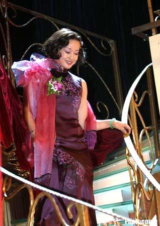 组图:刘晓庆演绎风华绝代舞女大班 春光旖旎