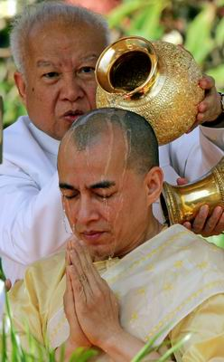 组图:柬埔寨新国王登基典礼今举行