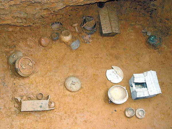 龙川佗城惊现东汉古墓发现珍贵文物(组图)