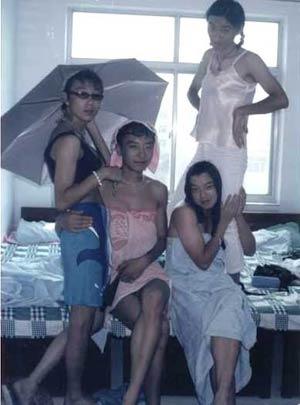 男生宿舍里的四大美女