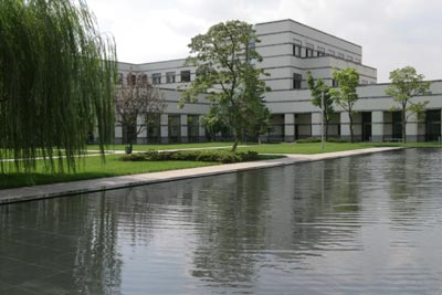 中欧国际工商学院校园风光(组图)