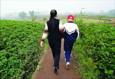 """组图:重庆市合川""""癌症""""村 3年有17人患癌症"""
