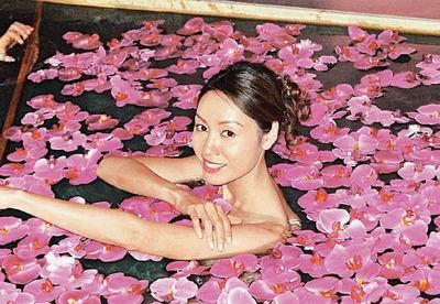 [人物]女明星影视香浴照