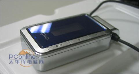 有点像索尼888的原配耳机-还要Iriver MPIO两款随身听新品惊艳到货