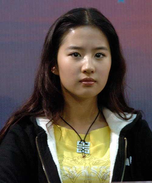 真实的刘亦菲:理解父母离异感谢周迅让角(图)