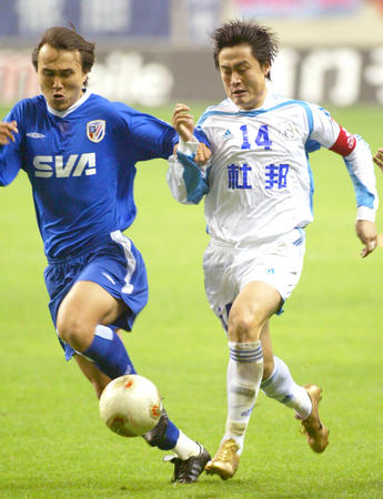 图文:上海申花0-1大连实德