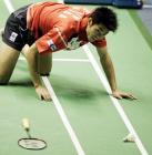 图文:林丹获中羽男单冠军 林丹回球失误