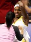 图文:WTA年终总决赛 小威比赛间歇治疗伤病