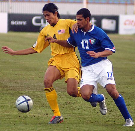 [体育](2)足球�D�D科威特战胜马来西亚