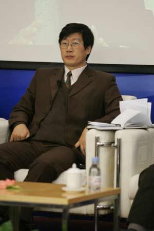 图文:中国足球改革研讨会-专家杨越在发言