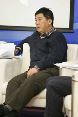 图文:中国足球改革研讨会-专家金汕在发言