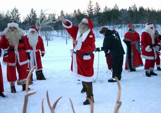 瑞典,丹麦,芬兰,冰岛,挪威,俄罗斯,爱沙尼亚,英国和法国的圣诞老人们