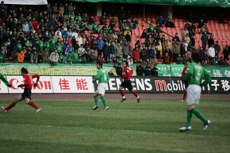 图文:北京现代主场对阵金德