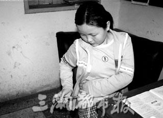 女人打针图片国外女人打针图片医生给女人打针图片女