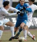 图文:辽宁1-5天津 外援马拉被夹击防守