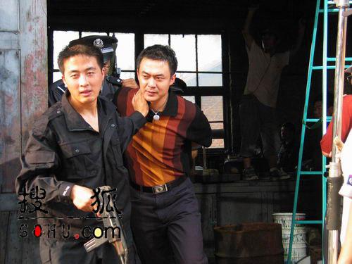 图文:二十五集电视连续剧《强制执行》剧照―48