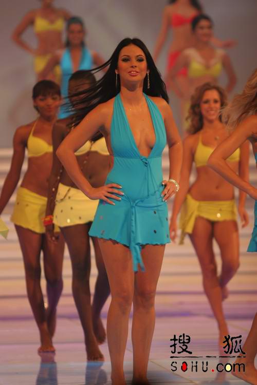 图文:第54届世界小姐选举总决赛-现场走秀4