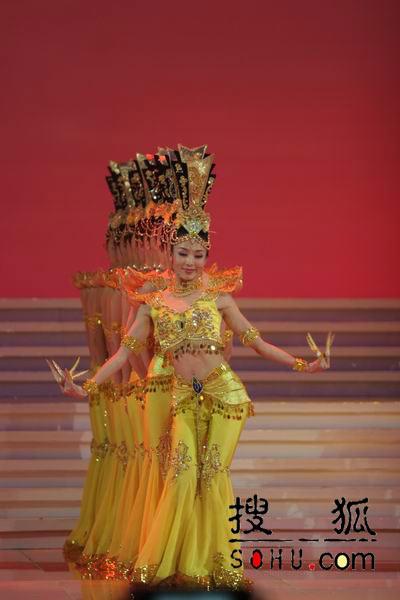 图文:第54届世界小姐选美总决赛-现场表演2