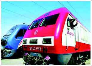 铁路第六次提速引起争议 火车越快颠簸得越厉害