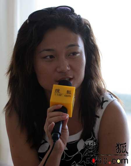 搜狐专访新任世姐:我的使命是抵御爱滋(组图)