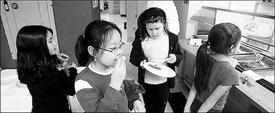 健康午餐进入纽约私立学校 学生称缺少乐趣(图)