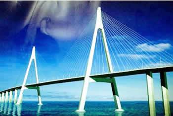 根据《中国交通公路规划设计院的预可性研究报告》,宁波杭州湾大桥