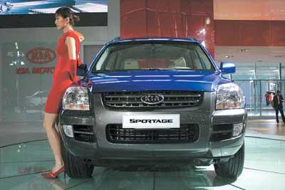 """车长比韩国现代汽车的新款SUV""""途胜""""长25mm.它采用排量2."""