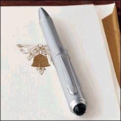 不管他喜欢不喜欢,我喜欢用钢笔的男人.传统、绅士,怎样都