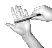 人妻美穴写真_保健新法:常用梳子梳手心(图)