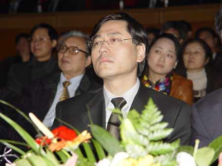 图文:联想20年纪念大会上的杨元庆 在想什么?