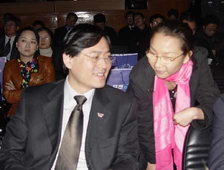 图文:杨元庆接受搜狐IT的现场采访