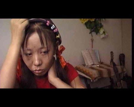 欧美视频哥哥姐姐_东方时空:安童和哥哥姐姐(上)