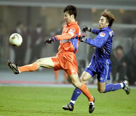 [体育](2)足球�D�D足协杯:山东鲁能夺冠