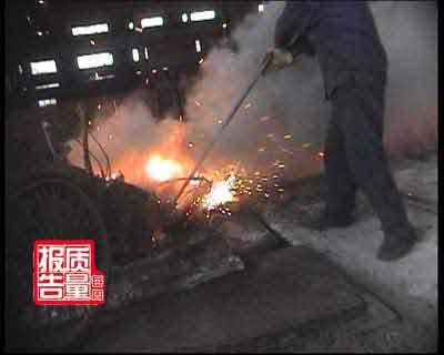"""每周质量报告:""""豆腐渣""""钢材是怎样炼成(图)"""