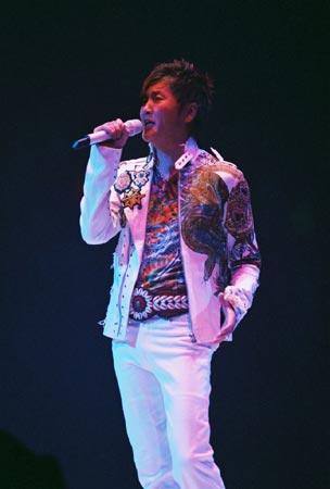 2005年的孙楠:把个人演唱会进行到底(组图)