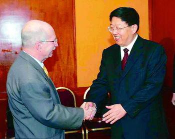 白恩培会见古巴驻华大使(图)