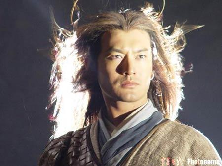 《神雕》冒雨拍摄 杨过独孤求败造型传神(图)